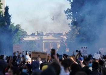 إطلاق الرصاص وقنابل الغاز لصد المحتجين بالبيت الأبيض