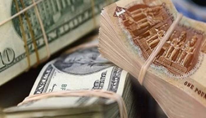 عودة السوق الموازية.. هل بدأ الجنيه المصري رحلة الهبوط مجددا؟