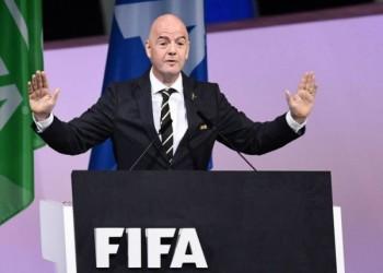 رئيس الفيفا يطالب بالتصفيق وليس العقوبة للمتضامنين مع فلويد
