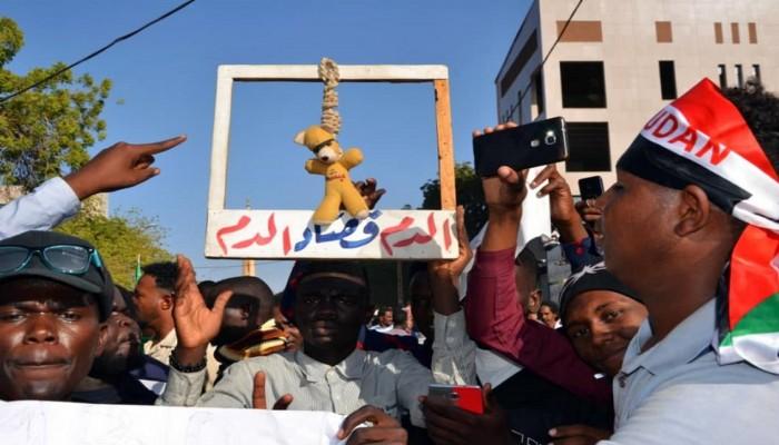 استعدادات أمنية وإغلاق طرق قبيل ذكرى فض اعتصام الخرطوم