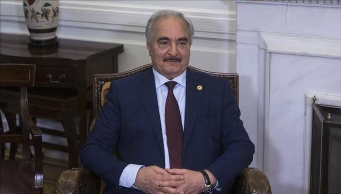 حفتر يطير إلى القاهرة لبحث تطورات الأوضاع في ليبيا