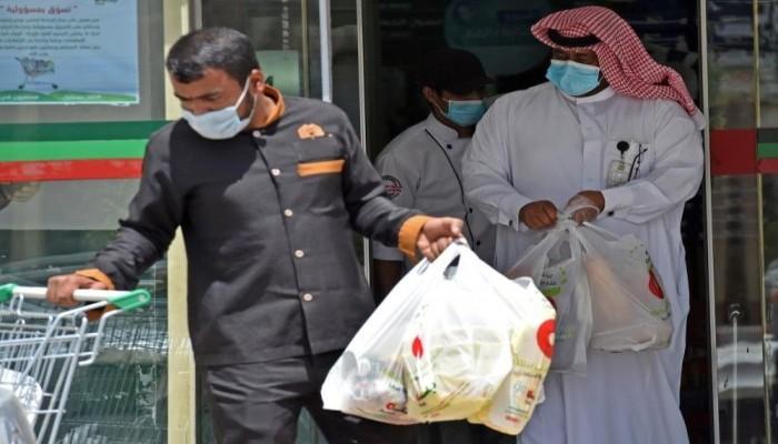 السعودية تقرر إبعاد أي مقيم يخالف متعمدا احترازات كورونا