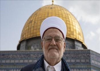 إسرائيل تمدد قرار إبعاد خطيب الأقصى لمدة 4 أشهر