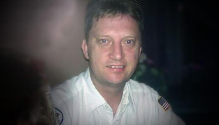 العسكري الأمريكي السابق مايكل وايت يغادر إيران بعد إطلاق سراحه