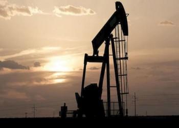 استقرار في أسعار النفط انتظارا لتخفيضات إنتاج أوبك+
