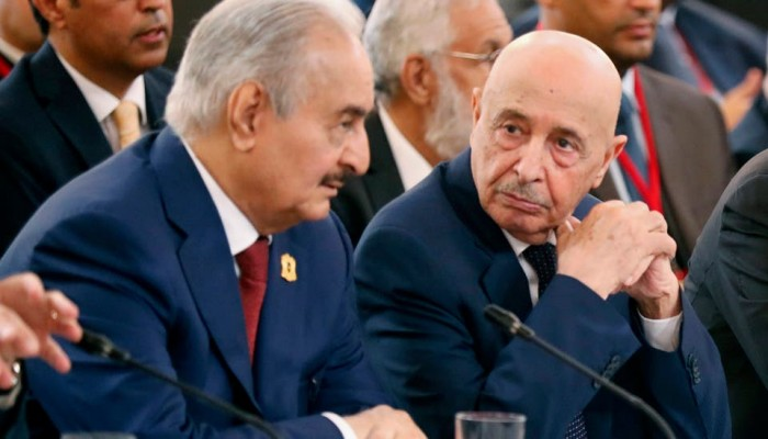 حفتر يلتقي عقيلة صالح في القاهرة بعد هزائمه بليبيا