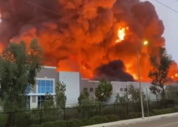 حريق ضخم يلتهم مستودعات أمازون في كاليفورنيا