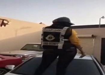 ضبط فتاة سعودية رقصت على سيارة مرتدية سترة الأمن العام