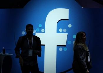 فيسبوك يخفف القيود على الإعلانات المتعلقة بكورونا