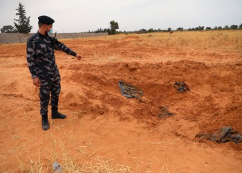 جثث لأطفال ونساء ضمن مقابر ترهونة الجماعية