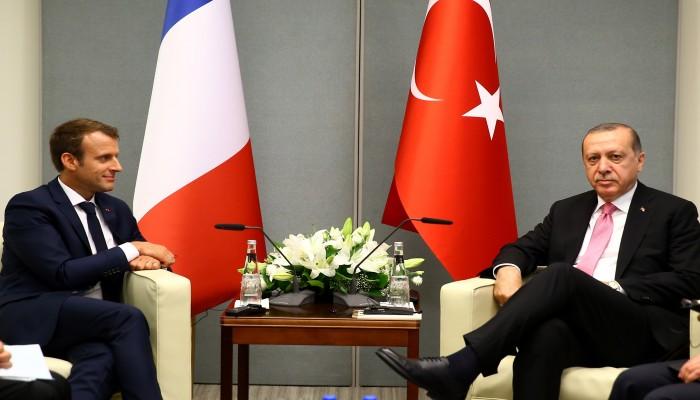 ماكرون: تركيا تمارس لعبة خطيرة في ليبيا