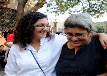 ناشطة مصرية تظهر أمام النيابة بعد ساعات من تعرضها للاختطاف