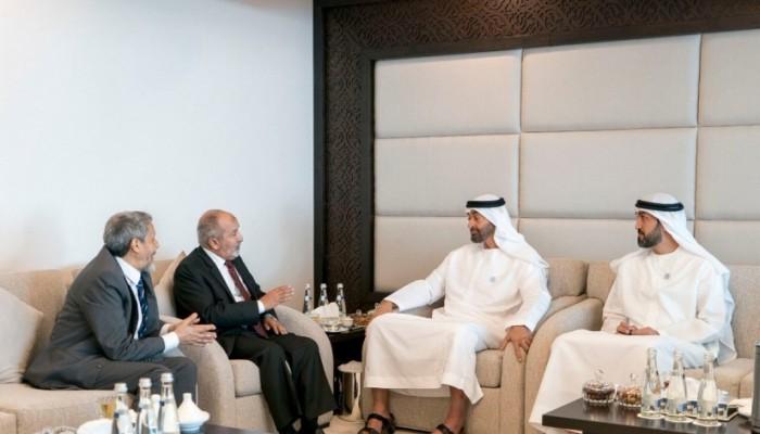 """وزير يمني: الإمارات تتخذ حزب الإصلاح """"شماعة"""" لتنفيذ مخططاتها باليمن"""