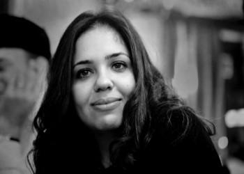الأمن المصري يداهم مقر موقع المنصة ويعتقل رئيسة تحريره