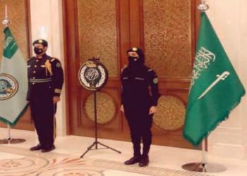 صورة لسيدة في الحرس الملكي السعودي تثير جدلا