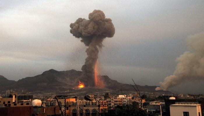 مجلة أمريكية: اليد التي تطعم اليمنيين تقصفهم