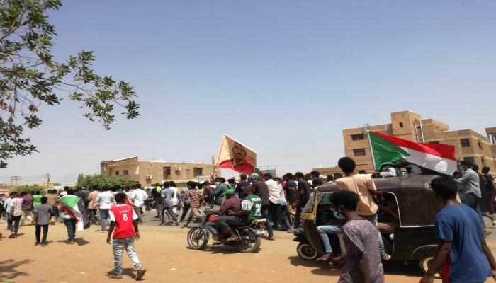 آلاف السودانيين يتظاهرون للمطالبة بتصحيح مسار الثورة