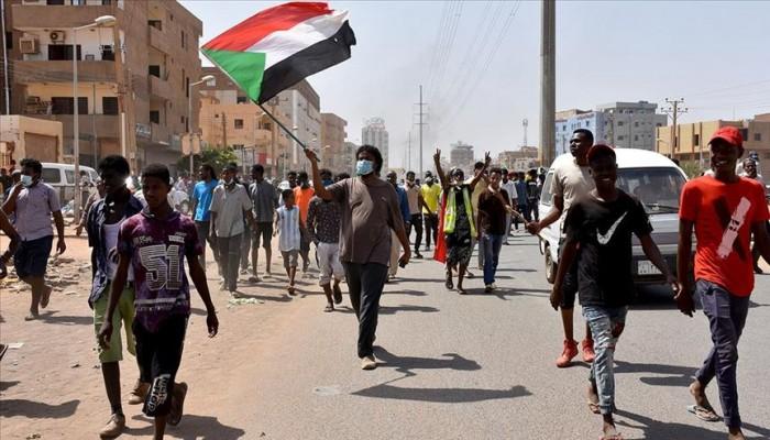 حكومة السودان تتعهد بالاستجابة لمطالب المتظاهرين