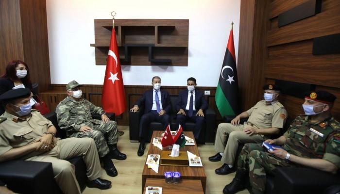 زيارة مفاجئة لوزير الدفاع ورئيس الأركان التركيين إلى ليبيا