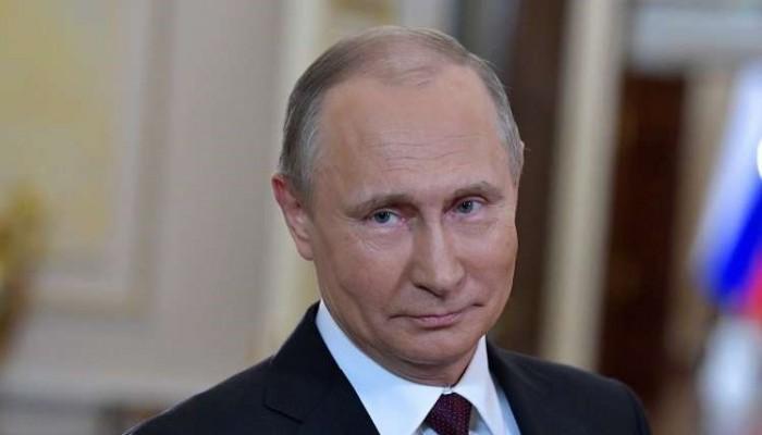 بوتين ينتقد رفع السفارة الأمريكية لعلم المثليين