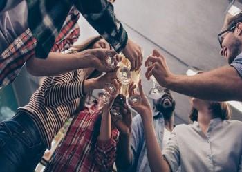 أمريكا.. حفلات طلابية لنقل كورونا وجوائز مالية للمصاب الأول