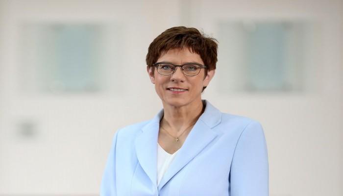 زعيمة حزب ميركل: ألمانيا لا تزال بعيدة عن تجاوز أزمة كورونا