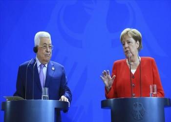 عباس لميركل: مستعدون لمفاوضات برعاية الرباعية الدولية