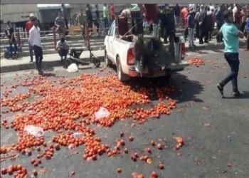 مزارعو العراق يرمون بضاعتهم في الشارع بسبب الاستيراد