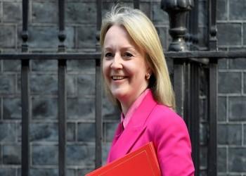 وزيرة بريطانية: تعهدنا بعدم تصدير أسلحة للسعودية لم يعد قائما