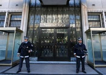 تونس تعلن إحباط مخططات إرهابية كانت تستهدف مقرات سيادية
