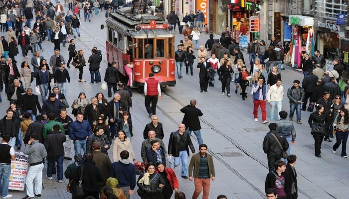 البطالة تتراجع إلى 12.8% في تركيا خلال أبريل