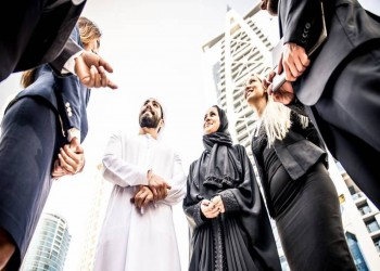 الإمارات تخطط لخفض تكاليف الدخول والإقامة للوافدين
