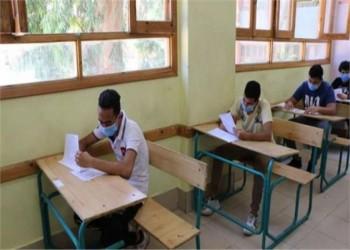 مصر.. التحقيق في 65 مجموعة إلكترونية تسهل غش الامتحانات