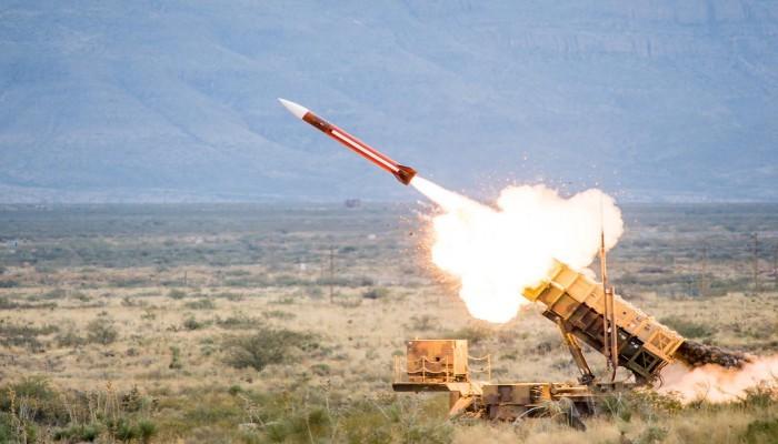الحوثيون يعلنون استهداف مطارات وقواعد عسكرية ومنشآت نفطية سعودية