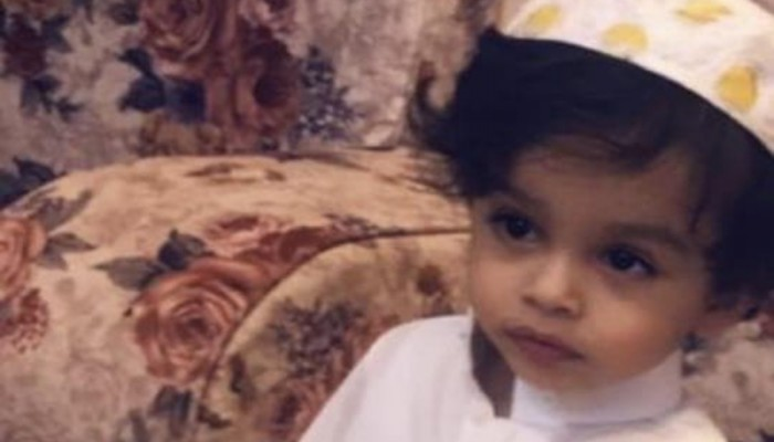 مأساة طفل سعودي توفي بعد كسر مسحة فحص كورونا داخل أنفه