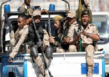 مسلحون مدعومون إماراتيا يواصلون اعتقال مسؤولي سقطرى