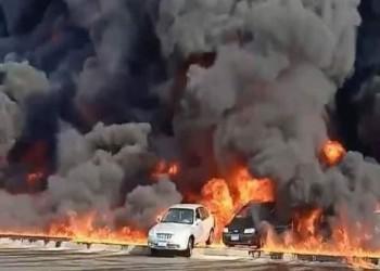 مصر.. إصابة 17 وتفحم 31 سيارة في حريق نفطي (فيديو)