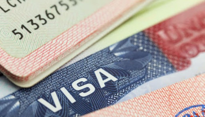 ترامب يتراجع عن إجبار الطلاب الأجانب على مغادرة أمريكا