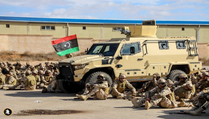 قبل معركة سرت.. وصول إمدادات مصرية لحفتر في طبرق (صورة)