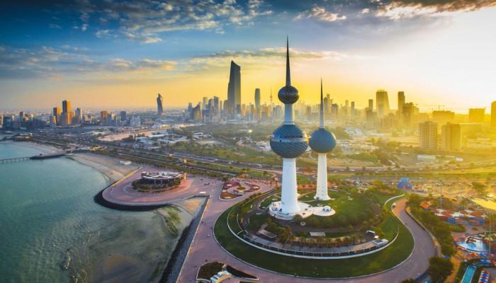 الكويت.. عائدات النفط الأقل خلال 16 عاما والعجز 10 مليارات دينار