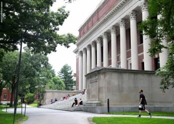 أمريكا تمنع الطلاب الجدد الدارسين عبر الإنترنت من الدخول