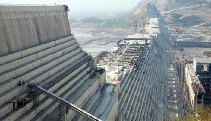السيسي يؤكد رفض مصر أي إجراء يمس حقوقها المائية