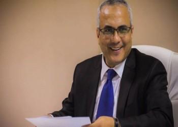 بعد حبسه عامين دون إدانة.. إخلاء سبيل الصحفي المصري عادل صبري