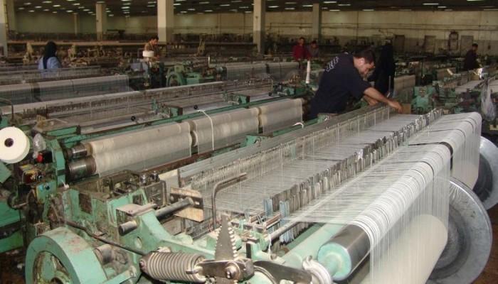 الجيش المصري ينفذ مشروعا ضخما لصناعات الغزل والنسيج