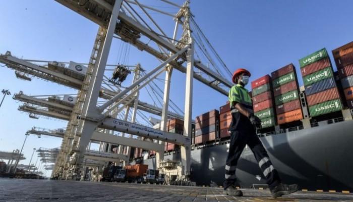 كيف تؤثر ممرات التجارة البحرية في العلاقات الإماراتية الصينية؟