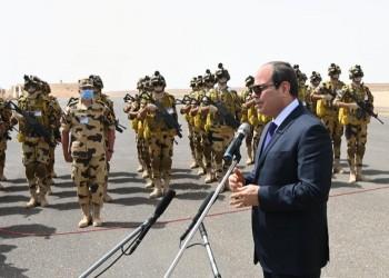 السيسي يمرر قانونا يمنع ترشح عسكريين إلا بموافقة الجيش