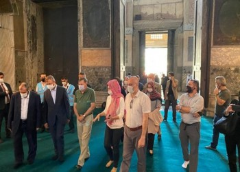 أول مسؤول غربي يزور آيا صوفيا بعد تحويلها لجامع (صور)