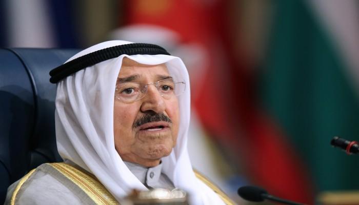 نائب رئيس الحرس الوطني الكويتي يطمئن ولي العهد على صحة الأمير