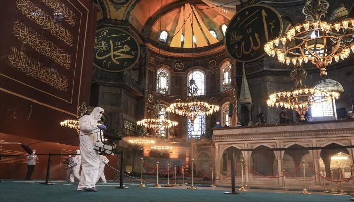 تجهيزات مكثفة لصلاة العيد الأولى في آيا صوفيا بعد إعادة افتتاحه