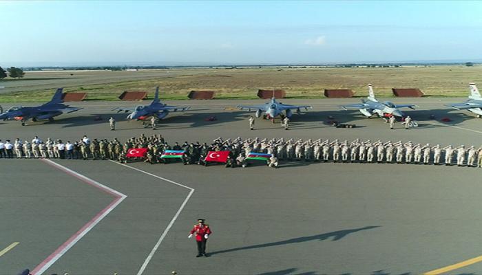 وصول مقاتلات إف-16 التركية لأذربيجان وسط أزمتها مع أرمينيا